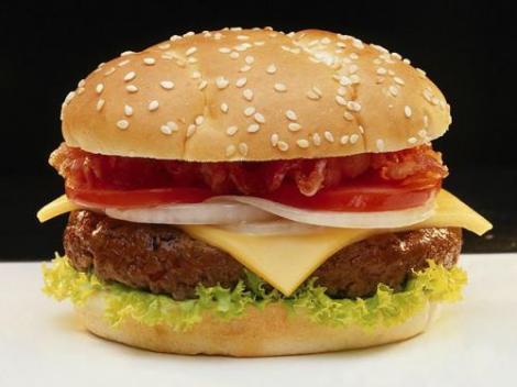 5 lucruri pe care barbatii ar trebui sa le stie despre hamburger