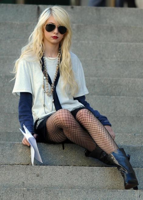 """Taylor Momsen: """"Imi traiesc viata cum vreau, nu pentru altii"""""""