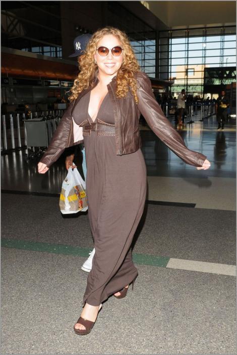 VIDEO! Mariah Carey s-a facut de ras in Singapore