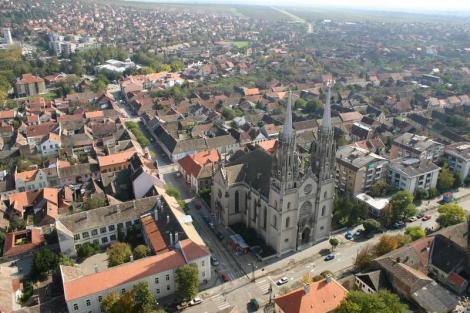 Multi romani merg la cumparaturi in Serbia