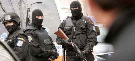 Dosarul permiselor ilegale din Capitala: 14 politisti si instructori auto, arestati pentru 29 de zile