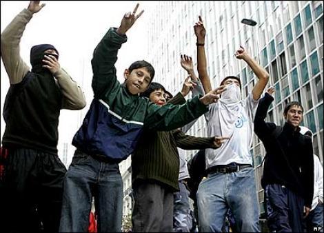 VIDEO! Proteste violente in Chile, dupa cresterea pretului la gaze