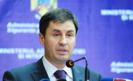 Scandal la Ministerul de Interne. Traian Igas a demis un director din MAI