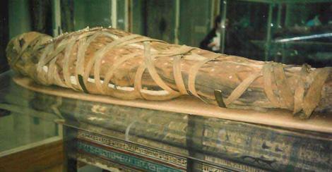 Doua mumii egiptene, grav avariate intr-o tentativa de furt