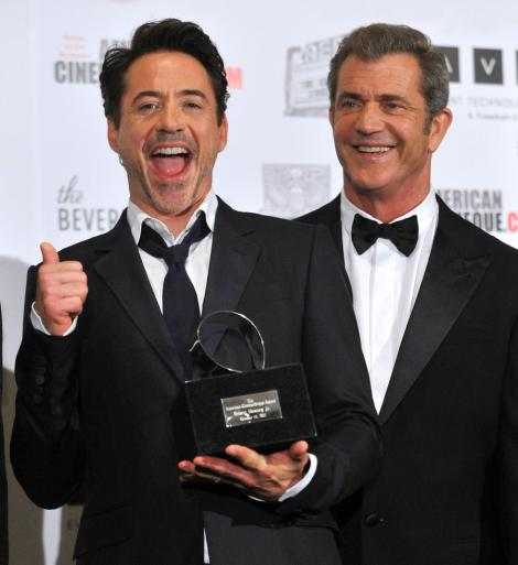 VIDEO! Premiu pentru Robert Downey Jr.
