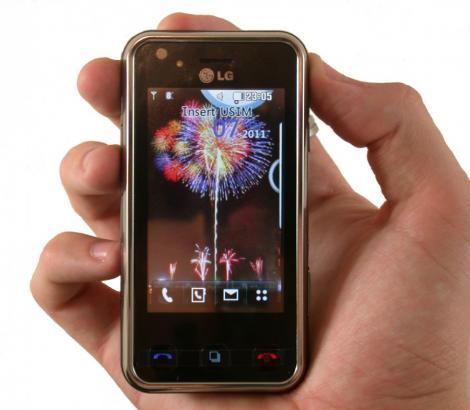 92% dintre telefoanele mobile au pe ele bacterii periculoase pentru om