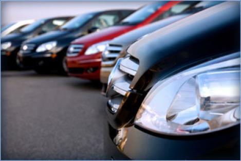 Piata auto, la extreme: Ne prabusim, dar crestem
