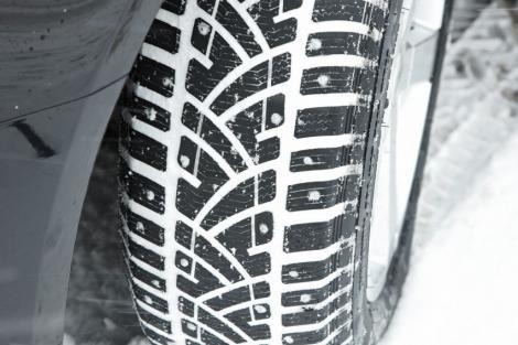 Pentru a nu lua amenda, anvelopele de iarna trebuie sa fie inscriptionate cu M sau S!
