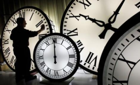 Romania trece la ora de iarna: Sambata dormim cu 1h mai mult!