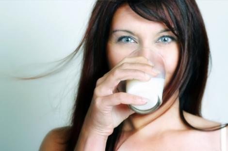 VIDEO! Tehnici de infrumusetare cu lapte!