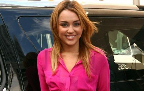 Miley Cyrus va face un cover dupa albumul lui Bob Dylan