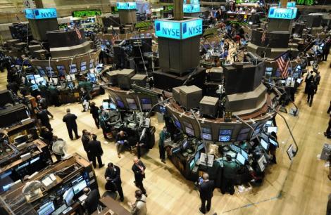 Wall Street inchide in scadere, dupa anuntul referendumului din Grecia