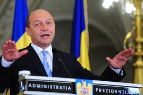 Vezi reactiile politicienilor la initiativa de suspendare a lui Basescu