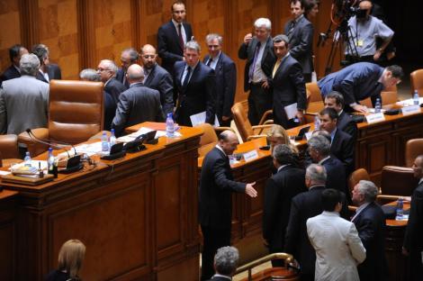 PDL - 33 de legi in 3 ani: Raportul de activitate al parlamentarilor democrat-liberali