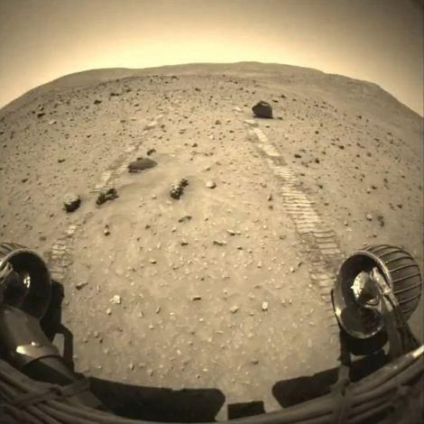 FOTO & VIDEO! Vezi imagini inedite de pe Marte!