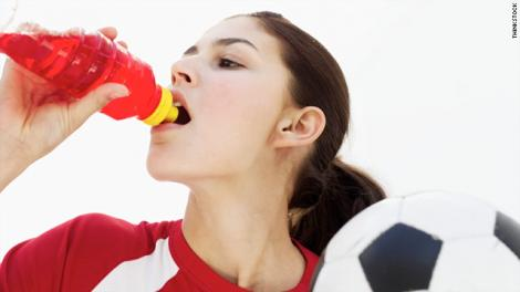 Consumul de bauturi carbogazoase determina un comportament agresiv la tineri