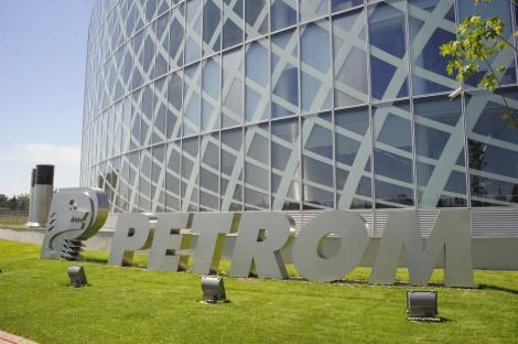 Petrom se refinanteaza cu un credit – record pentru Romania, de aproape 1 mld. €
