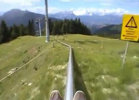 VIDEO! Sa fie asta cel mai periculos montagne russe din lume?