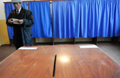 Rusia ignora Chisinaul si deschide sectii de votare in Transnistria