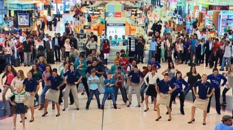 VIDEO! Vezi cel mai mare flashmob organizat vreodata in India!
