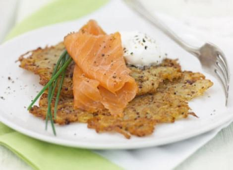Reteta: Crochete de cartofi cu mustar si somon afumat
