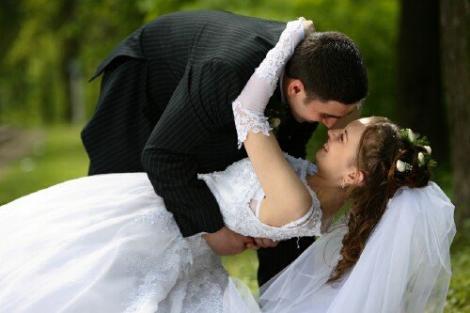 De ce se tem barbatii de casatorie