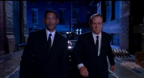 """VIDEO! Vezi primul trailer al comediei """"Men In Black 3""""!"""
