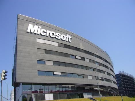 Microsoft ar putea cumpara divizia de smartphone a Nokia in 2012