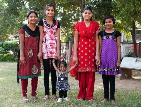 Cea mai scunda femeie din lume are 60 de centimetri inaltime!