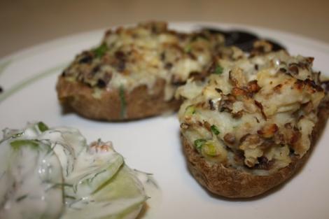 Reteta zilei: Cartofi umpluti cu ciuperci