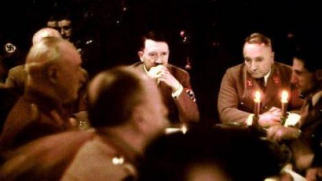 Imagini unicat cu Adolf Hitler de Craciun, in 1941