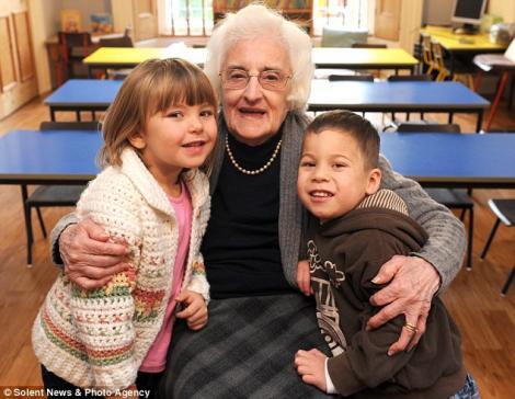 Ea este bunicuta care la 94 de ani inca mai lucreaza!