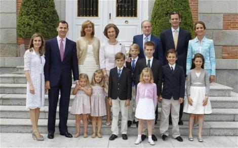 Membrii familiei spaniole si-au facut publice veniturile. Vezi cat castiga capetele incoronate!