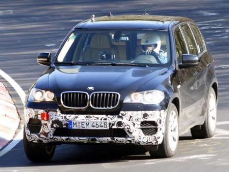 BMW X1 cu facelift, fotografiat pentru prima oara la teste