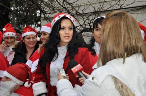 FOTO! Sexy-pedelista de Satu Mare revine: S-a costumat in Craciunita