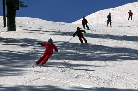 VIDEO! Iarna la munte: Pe Valea Prahovei si in Harghita a nins toata noaptea