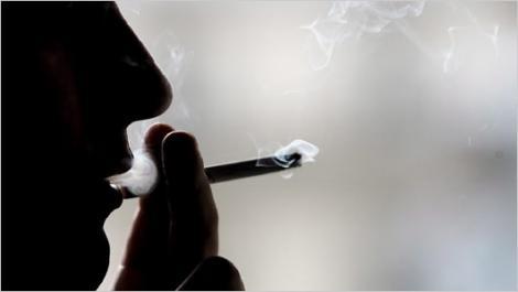 Studiu: Activitatea cerebrala poate indica daca o persoana va renunta la fumat