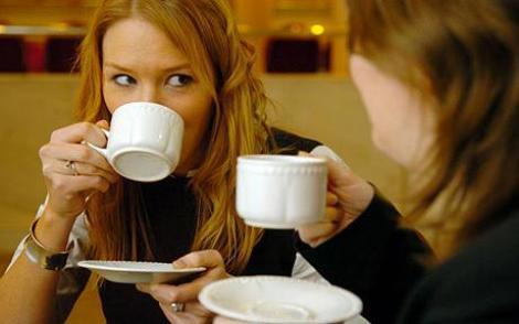 Studiu: o ceasca de ceai poate alunga oboseala fizica si psihica