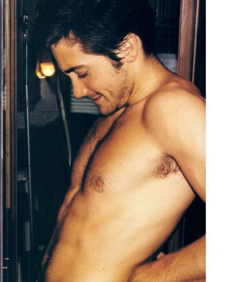 Jake Gyllenhaal, fotografiat la pisoar!
