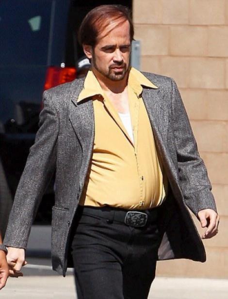 Colin Farrell are burta si chelie!