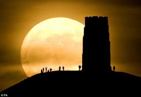 FOTO! Peisaje impresionante cu super-luna