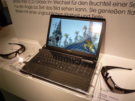 Primul laptop 3D de la Sony pe piata din Romania