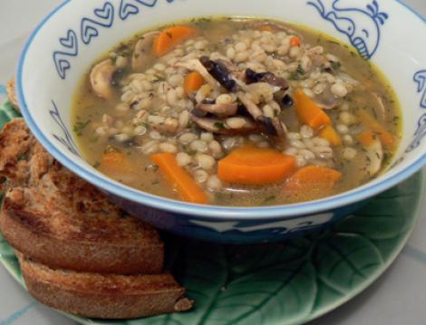 Reteta de post a zilei: supa de orz si ciuperci