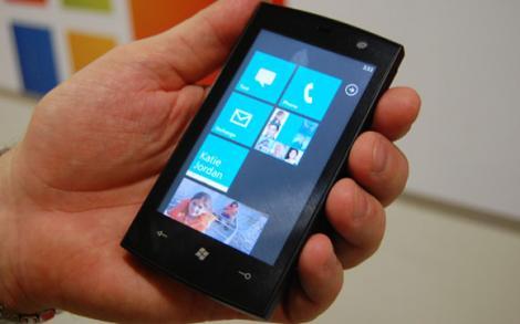 """Windows Phone ar putea fi dotat cu """"portofel electronic"""""""