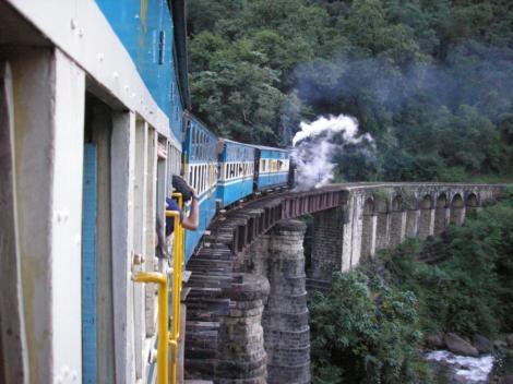 """Caile ferate ale Indiei - """"artefactele"""" colonialismului britanic"""