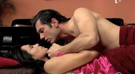 VIDEO! Scene fierbinti in Narcisa Salbatica intre Mircea si Eliza