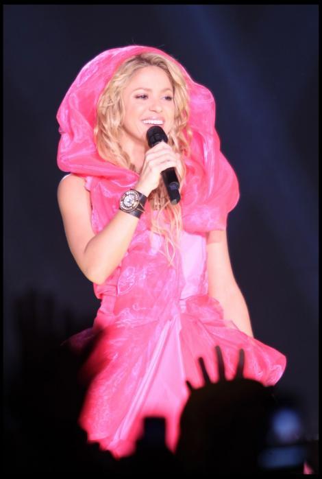 VIDEO! Shakira, pradata de un fan prea infocat