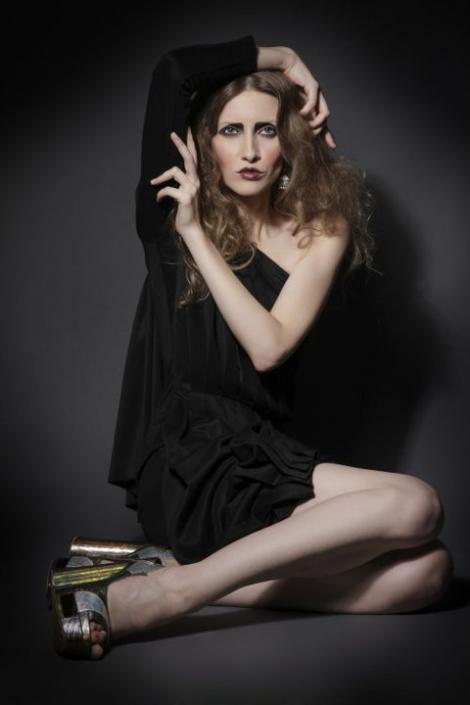 """FOTO! Iulia Albu, fashion pictorial in  """"Love Sex Dance"""" Magazine"""