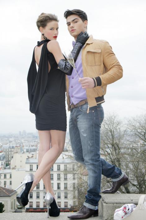 Finalistele Next Top Model protagonistele unui picnic urban pe Colina Montmartre in Paris