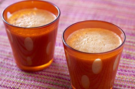 Sucul de morcovi – un aliat de incredere al oricarei diete